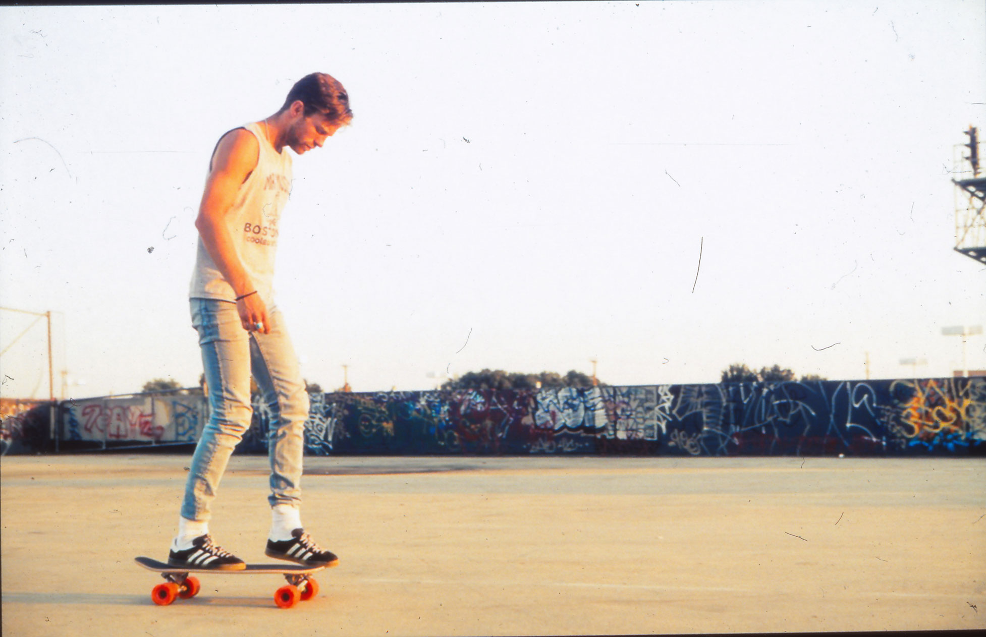 Miguel-Skate-with-dust